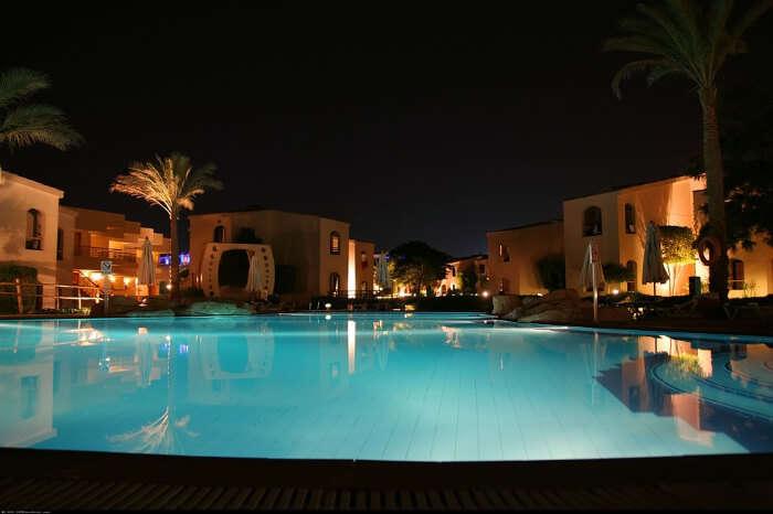 A luxury pool villa in Las Vegas