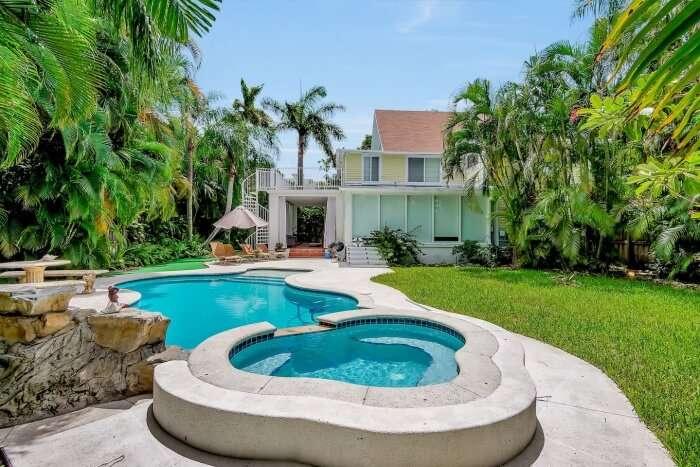 Villa With Historic Landmark Pool