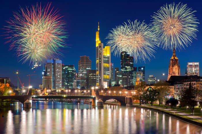Watch The Fireworks Show In Frankfurt