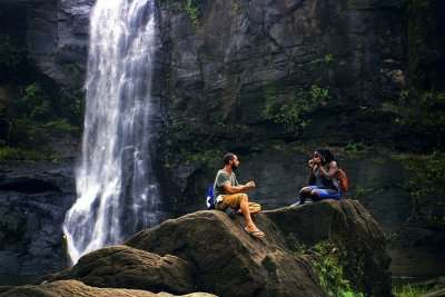 honeymoon laos