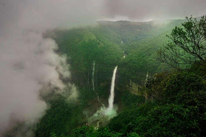 famous waterfall in chaerrapunji