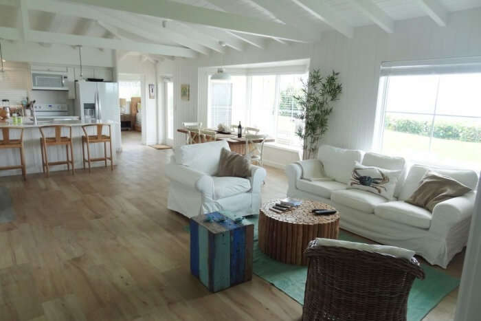 Direct Ocean Front Charming Cottage