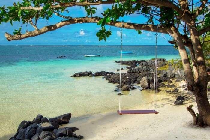 Top 3 Sensational Islands Near Grand Baie Mauritius