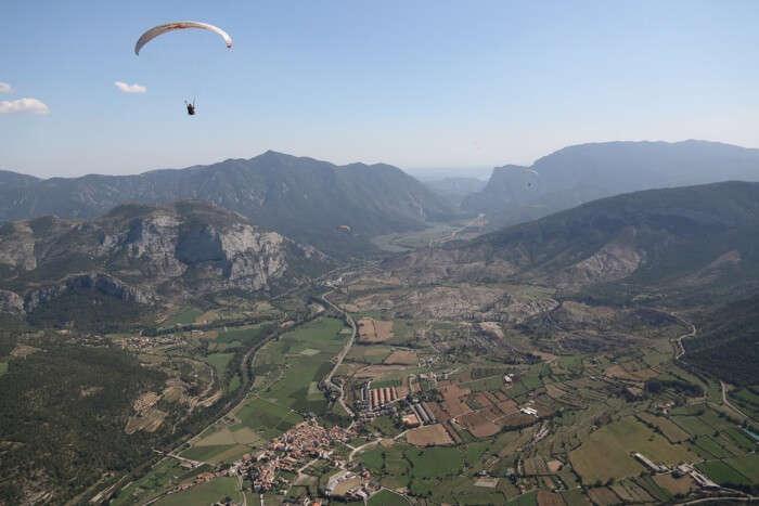 Paragliding in Organya