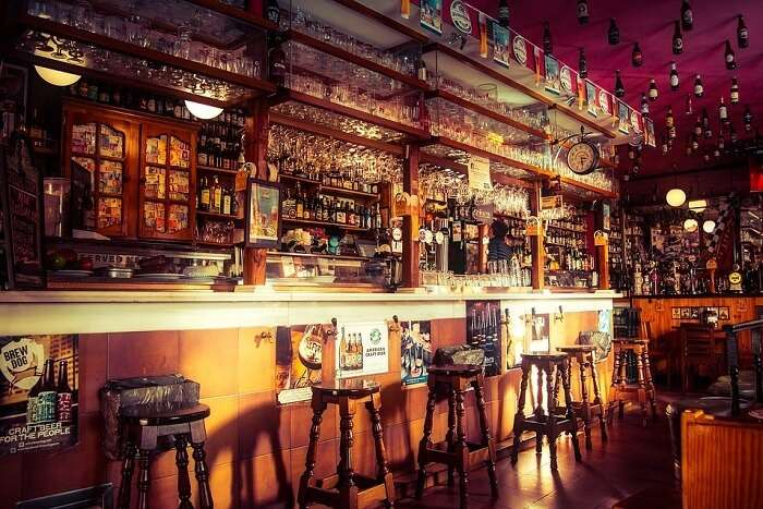 places to enjoy nightlife in Seville