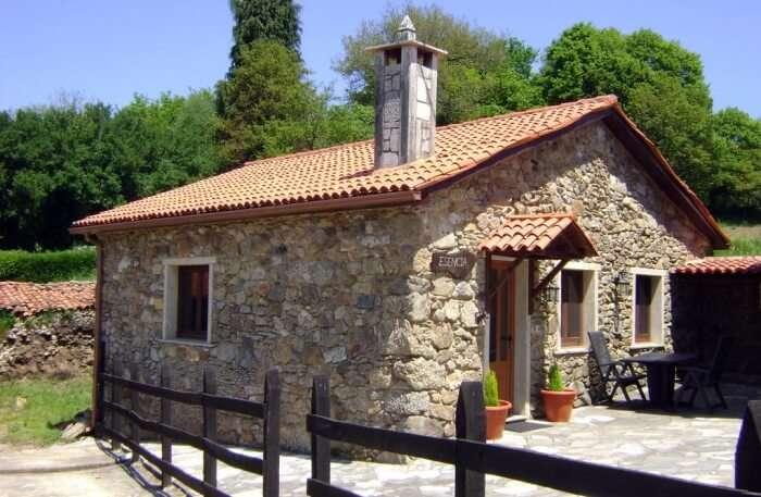 Stone Cottage Esencia view