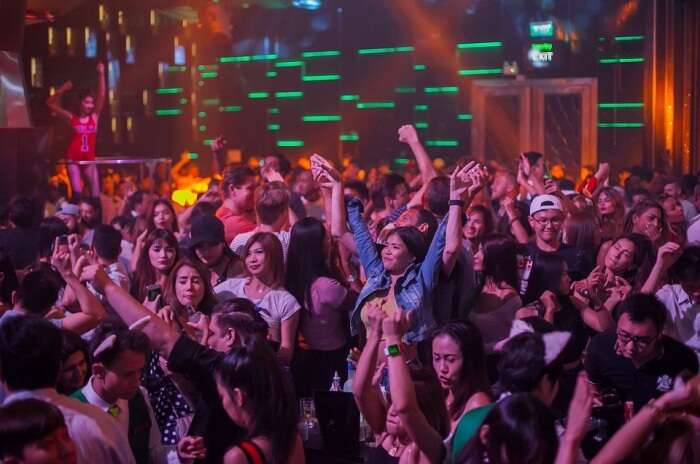 Dj Club Crowd Nightclub Disco Entertainment Music