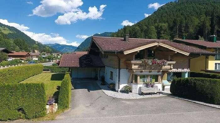 villas in austria