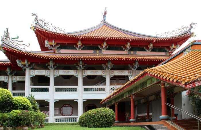 About Kong Meng San Phor Kark See Monastery