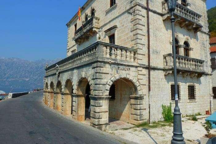 Bujovic Palace