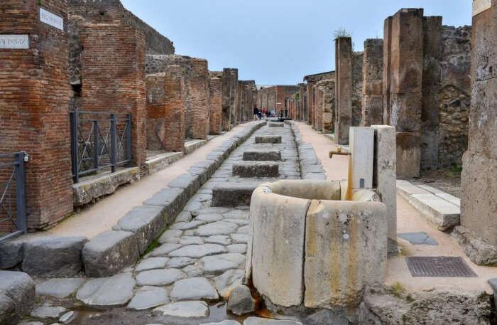 Go hiking to the Mount Vesuvius and visit Pompeii