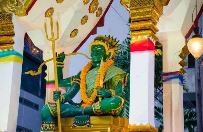 Indra Shrine At Amarin Plaza