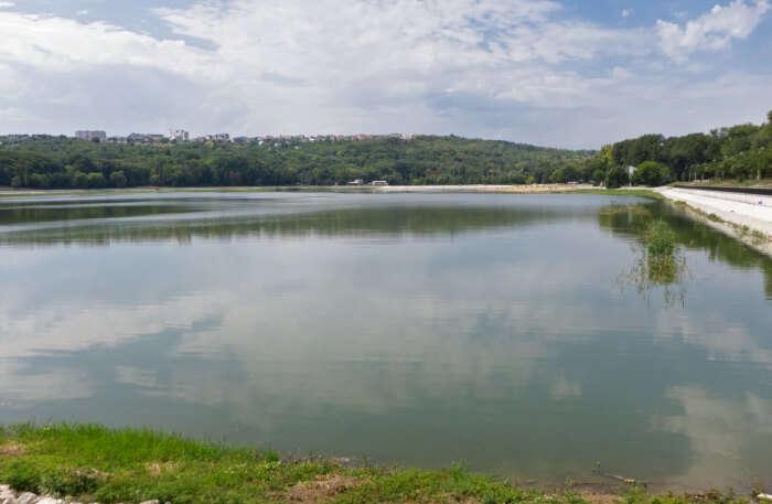 Le lac Valea Morilor