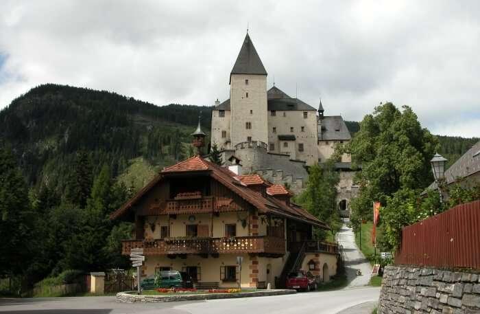 Mauterndorf Castle