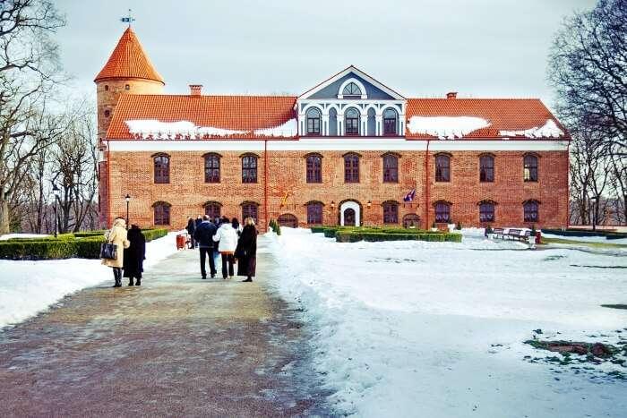 Raudonvaris Castle