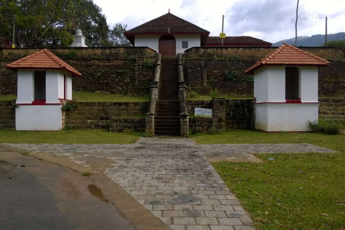 Spend Good Times in Badulla's Kataragama Devalaya