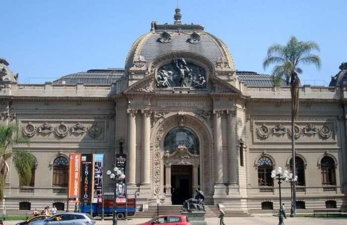 Visit Museo de Bellas Artes
