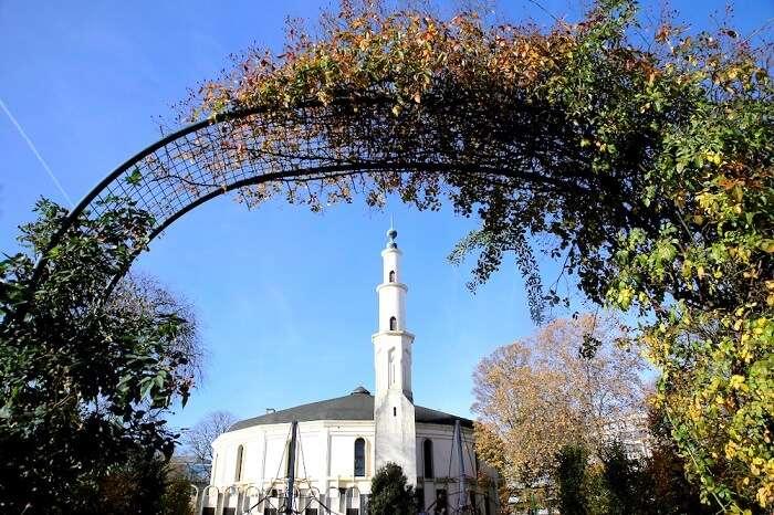 Mosques in Belgium cover
