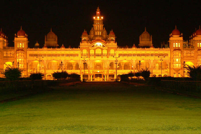 Palace during the night