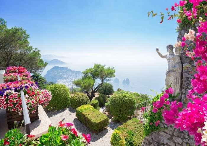 beautiful attractions around Naples