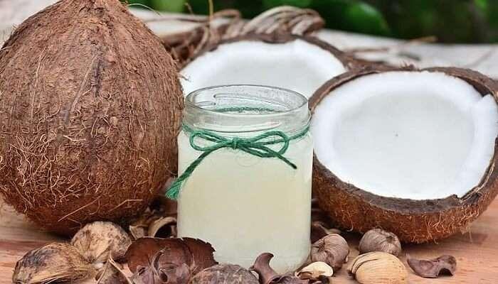 Organic-cosmetics-coconut-oil-maldives1