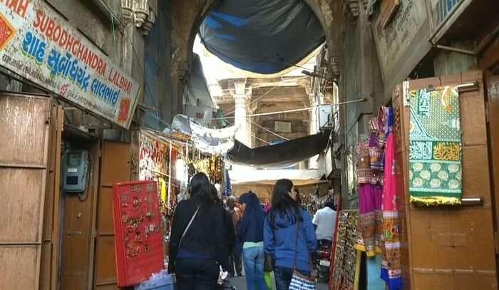 Rani No Hajiro Ahmedabad Cloth Market