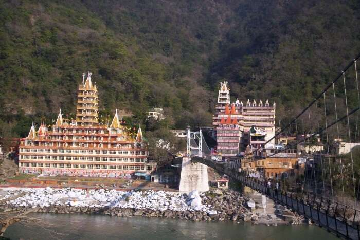 Temple at the bank of Ganges