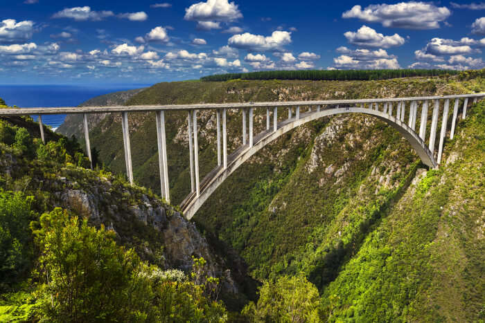 Bloukrans Bridge Bungy: The Dream Of Every Adventure Seeker