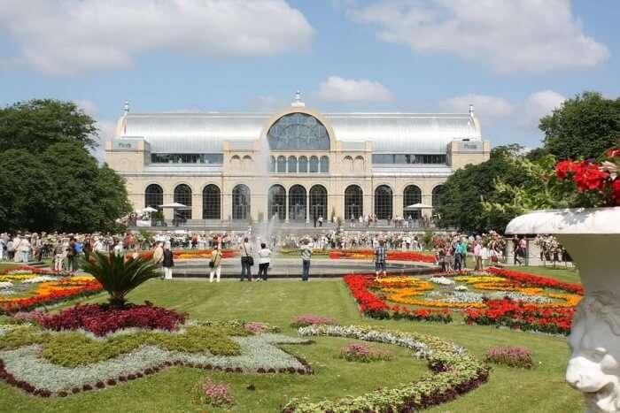 Flora And Botanical Garden