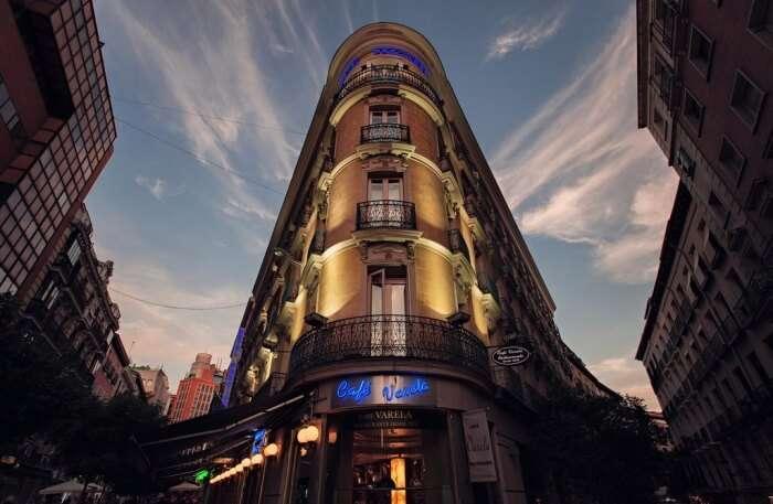 Hotel Preciados Front View
