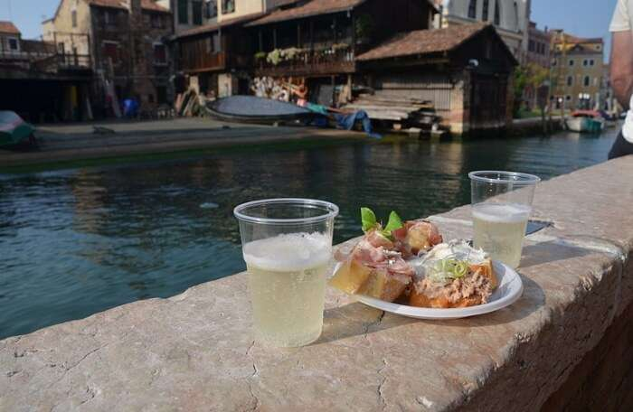 Secret Venice Tour With Cicchetti And Wine