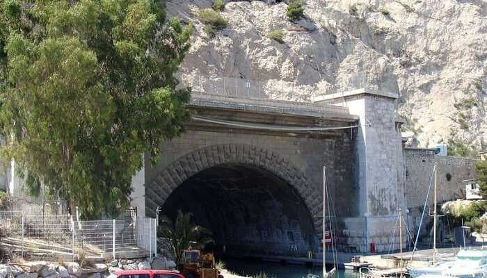 Visit the Rove Tunnel