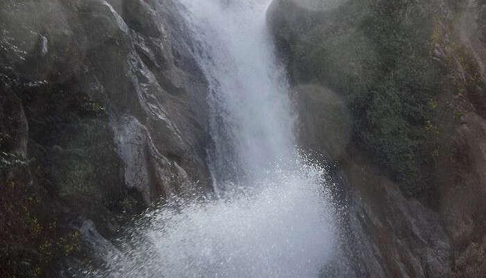 Garud Chatti Waterfall