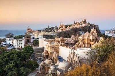 beautiful Jain temples in Bhavnagar