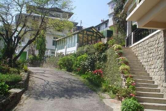 luxury villas in Gangtok