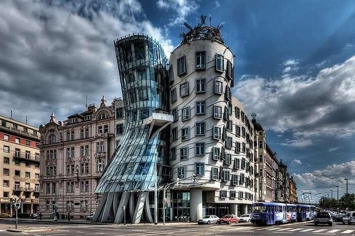 dancing figure like buildings in Prague