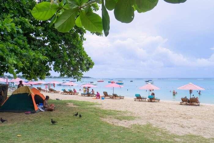 places near ilot gabriel beach cover