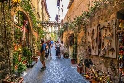 shopping street italy