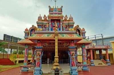 beutiful temple in pamlemousses