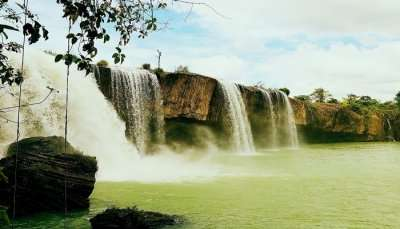 Thac Tac Tinh Waterfall