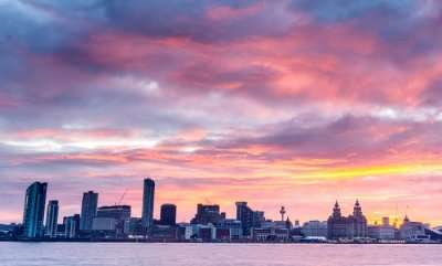 The gorgeous skyline of Liverpool in evening