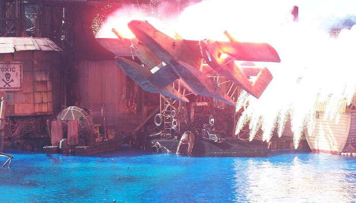 Waterworld Stunt