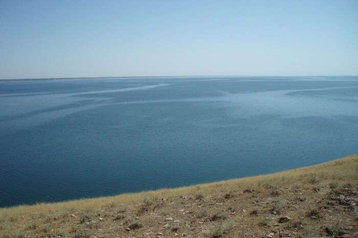Aydarkul Lake