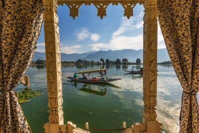 lake in Kashmir