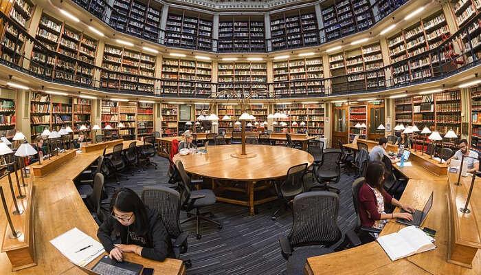 Motilal Nehru Central Library