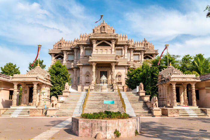 10 Temples In Surat That Will Let You Take A Dip Into The Ocean Of Spirituality