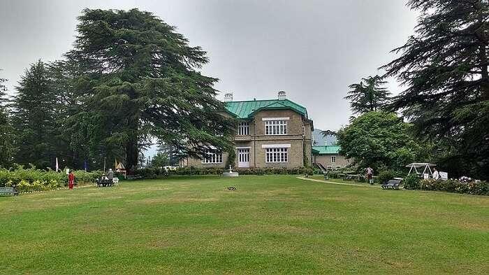 palace hotel chail