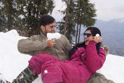 Cover - Dilip's Honeymoon Trip To Manali And Shimla