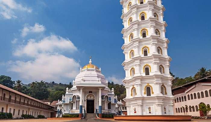 मंगेशी मंदिर