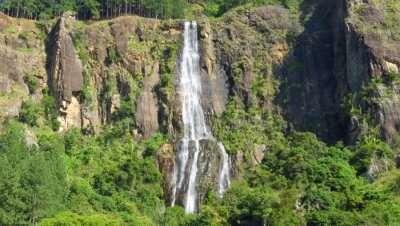 _Bambarakanda Falls